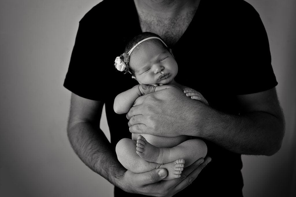 ivy and nell, baby girl, black and white portrait, dad, daughter, father, baby pictures, chislehurst photographer