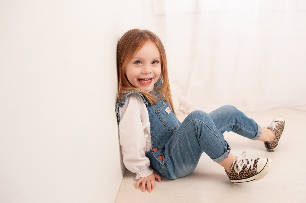 kids pictures, bromley, zara, converse, leopard print, stunning eyes, happy girl, kent