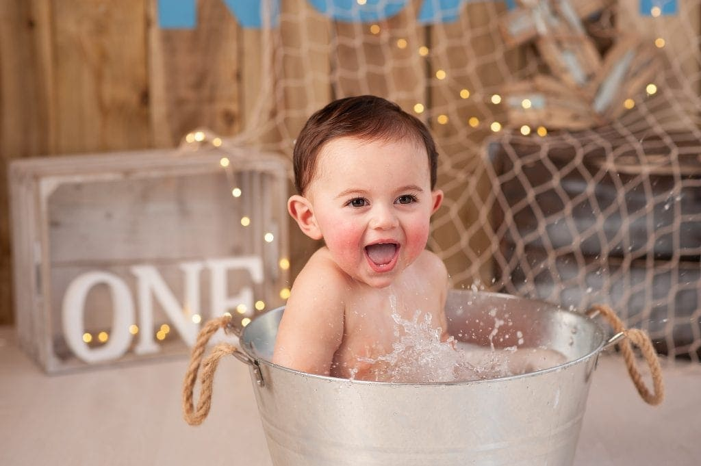 smash and splash, bubbles, fishing net, fishing, crate, lights, Orpington, Kent, metal tub, metal bath