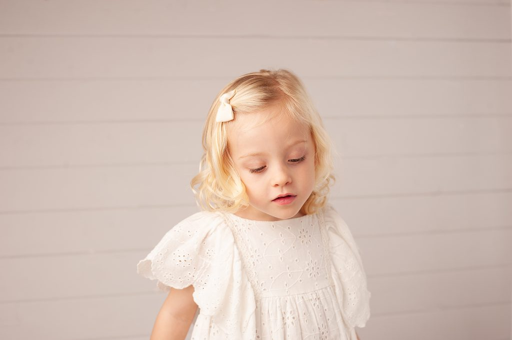angel, white dress, blonde girl, bromley, kent, childrens portraits