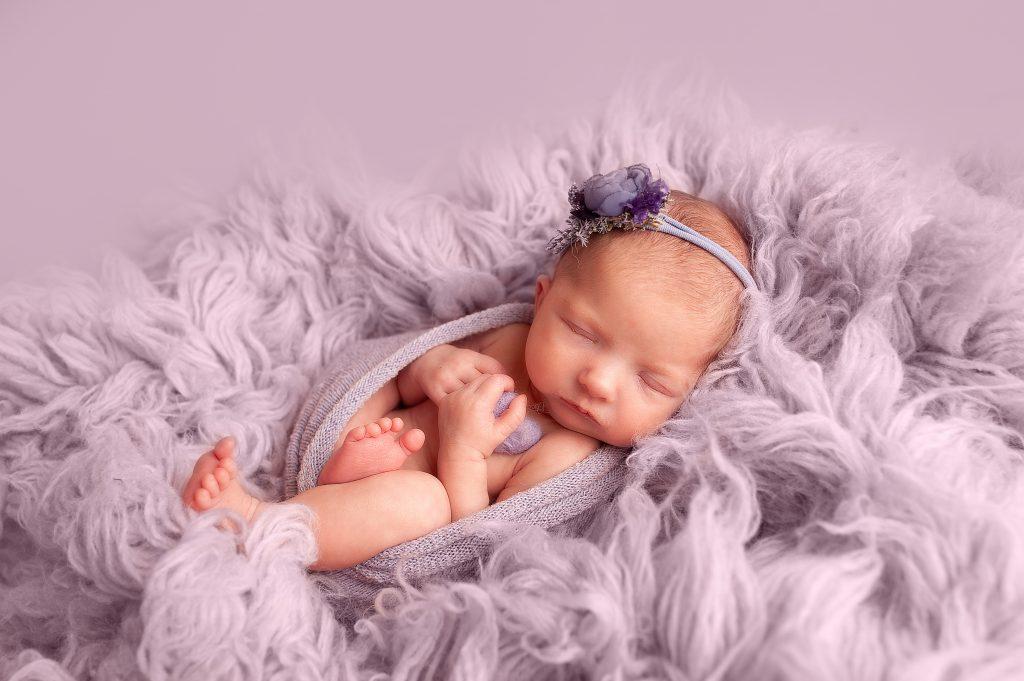 heart, lilac, newborn baby, bromley, chislehurst, baby photos, photographer near me