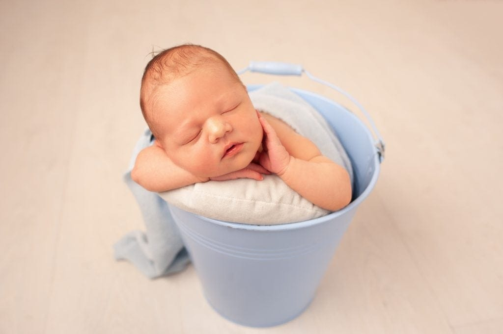 beautiful baby, blue, baby in a bucket, newborn session, ashleigh shea photographer,
