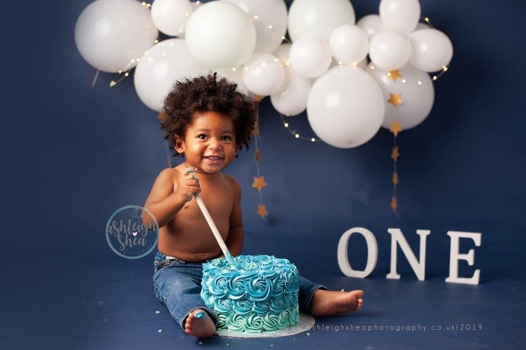 Stars, Cake Smash, First Birthday, White Balloon Garland, Boys First Birthday, Ashleigh Shea Photography, London, Orpington