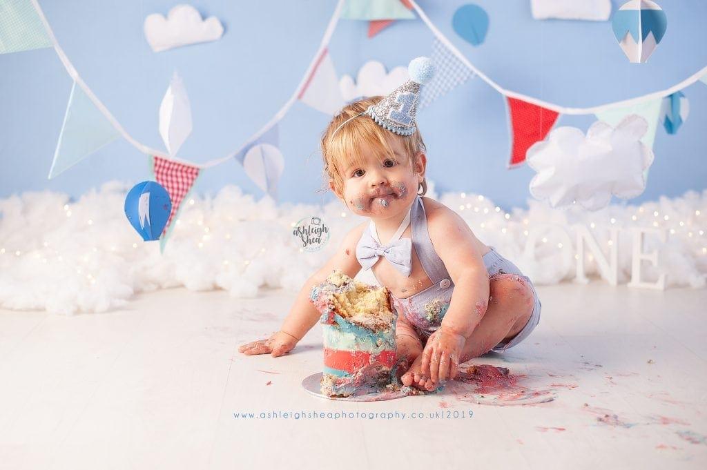 Hot Air Balloon, Bunting, Cake Smash, Ashleigh Shea Photography, Bromley, Chislehurst