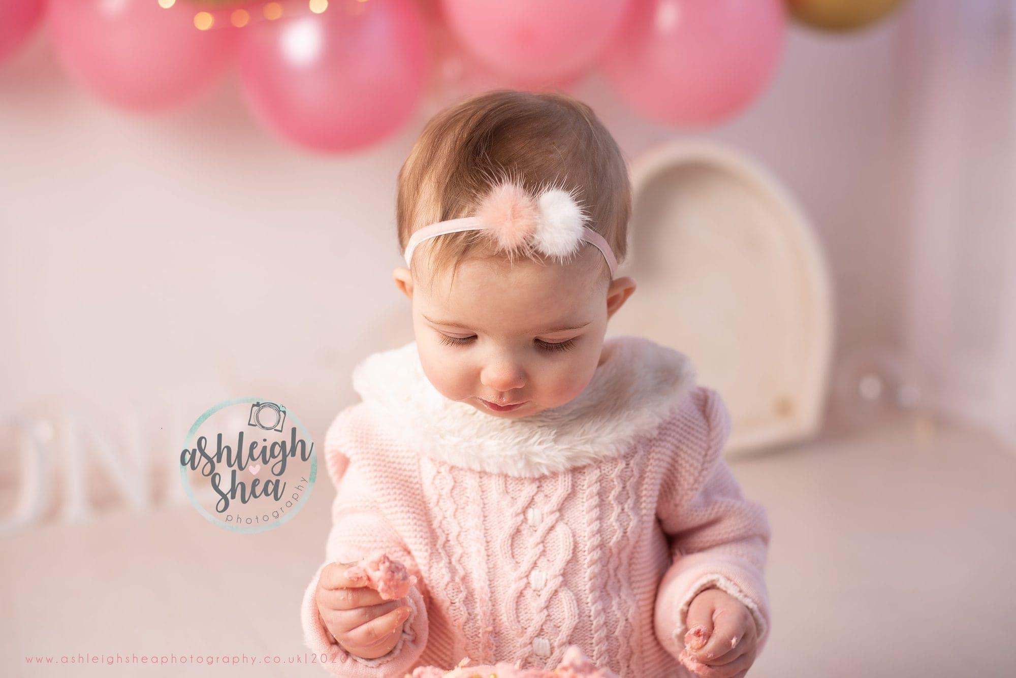 Close Up, Pretty Girl, Balloon Garland, Ashleigh Shea Photography, Cake Smash Near Me
