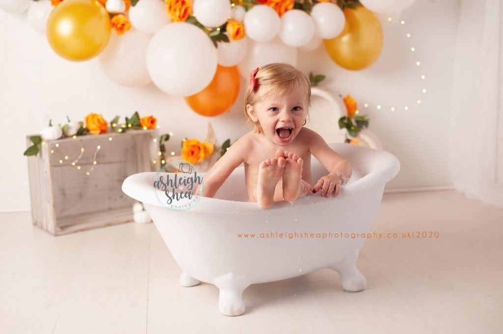 Second Birthday, Bath Splash, Orange, Gold, Balloon Garland, Ashleigh Shea Photography, Bromley, London